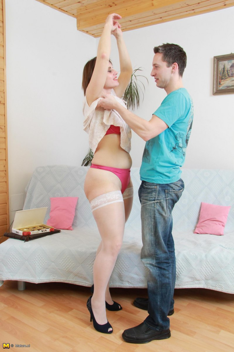 Housewive Fuck 107