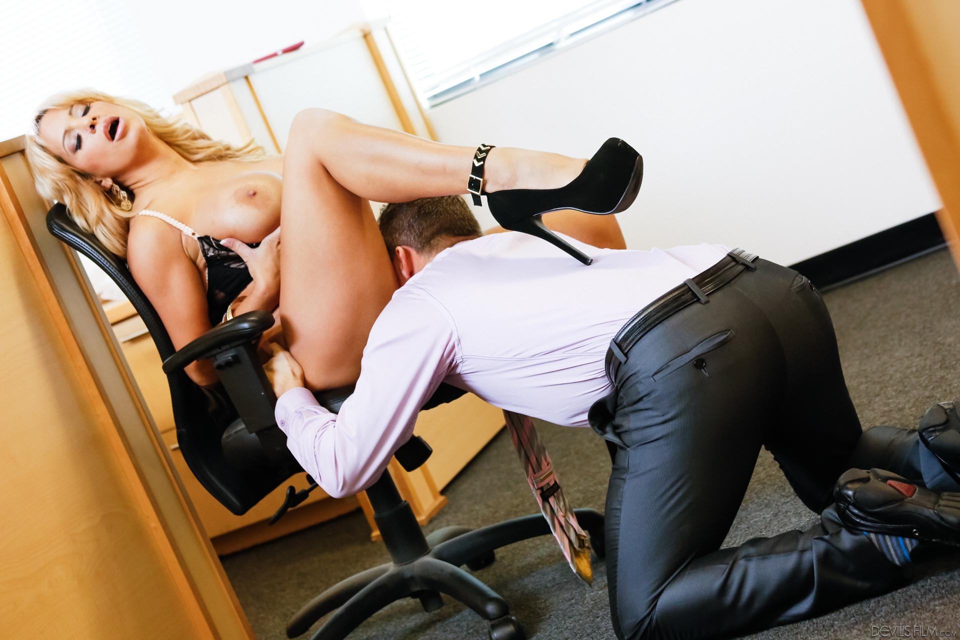busty ole secretary milf going down on an executive #6